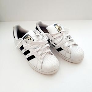 Adidas Superstars Low Top Shell Toe Kids Sneakers